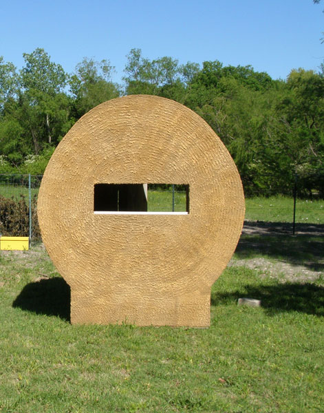 Hay Bale Deer Blind Plans http://outdoorthemescapes.com/2011/05/17/hay-bale-deer-blind/